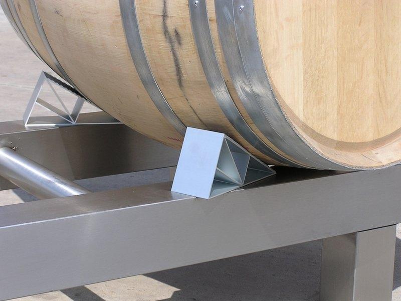 Detalle de Cuña de Aluminio en Barrica